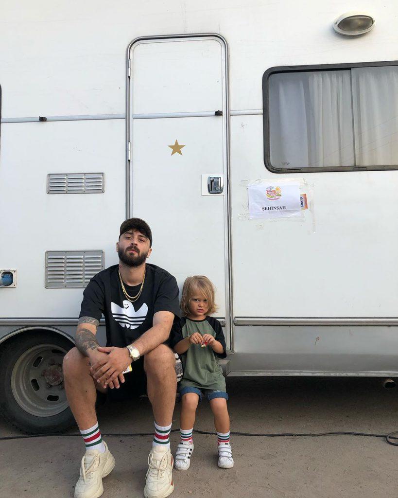 Şehinşah ve oğlu Atlas