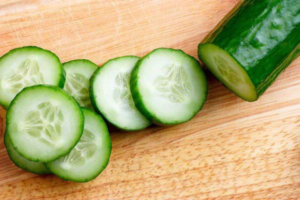 Salatalıklı Klorofilli Cilt Bakım Toniği Faydaları
