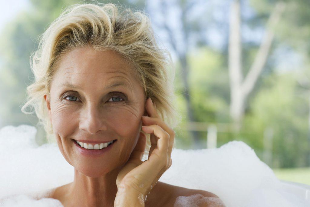 50 Yaş Üstü Kadınlar İçin Cilt Bakımı