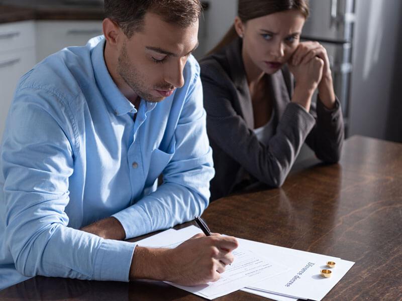 Boşanma Eşleri Nasıl Etkiler