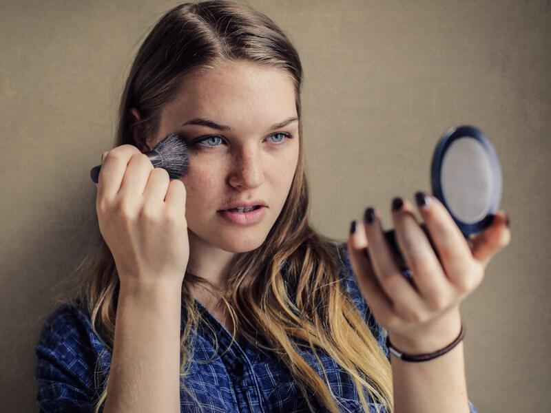 Düşük Puanlı Ürünlerle Makyaj Merve Özkaynak