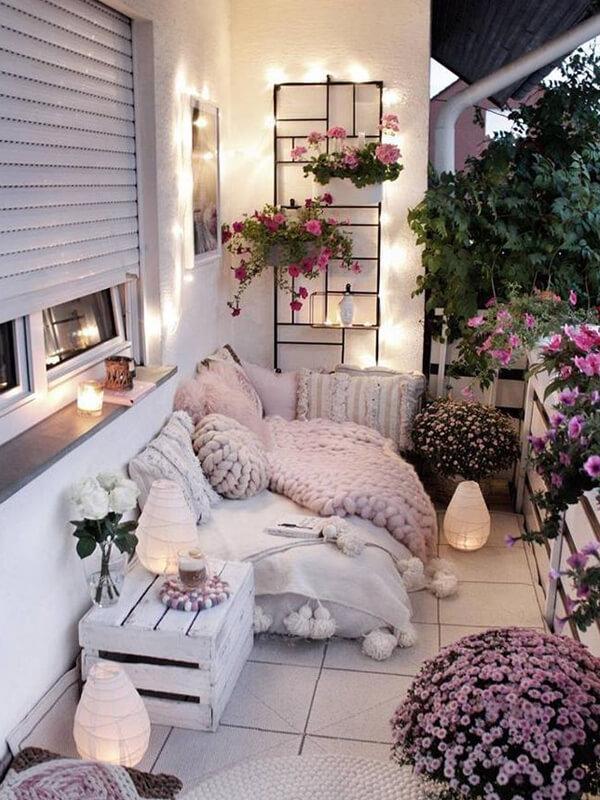 Küçük balkon için dekorasyon önerisi