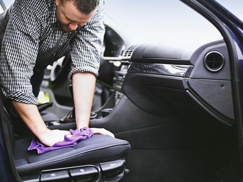 Araba Koltuğundan Çim Lekesi Nasıl Çıkar?