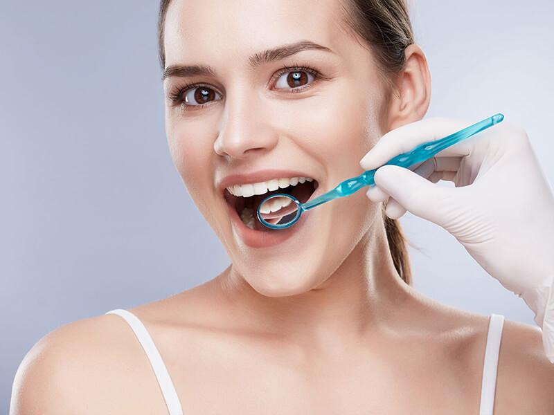 Diş Lekeleri Nasıl Çıkar?