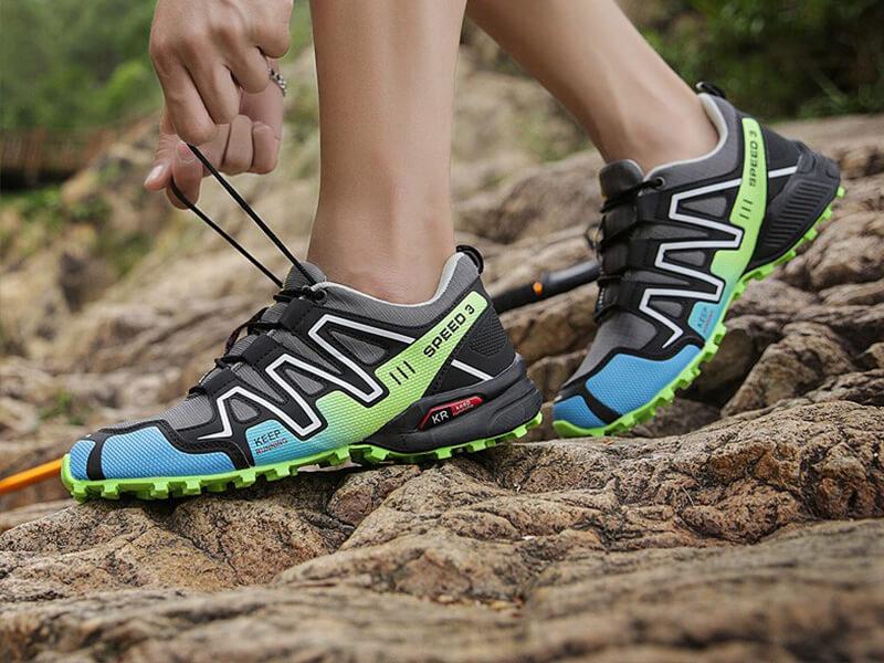Düz taban ve alçak kemerli ayaklar için en iyi koşu ayakkabısı nasıl olmalıdır
