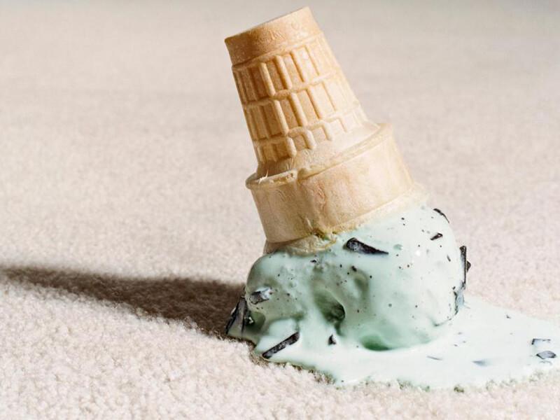 Halıdan Dondurma Lekesi Nasıl Çıkar?