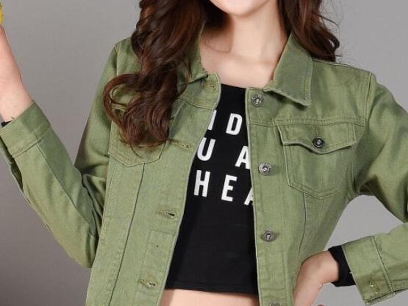 Yeşil jean gömlek veya ceket