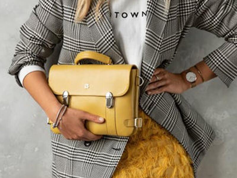 Sarı Çantalar