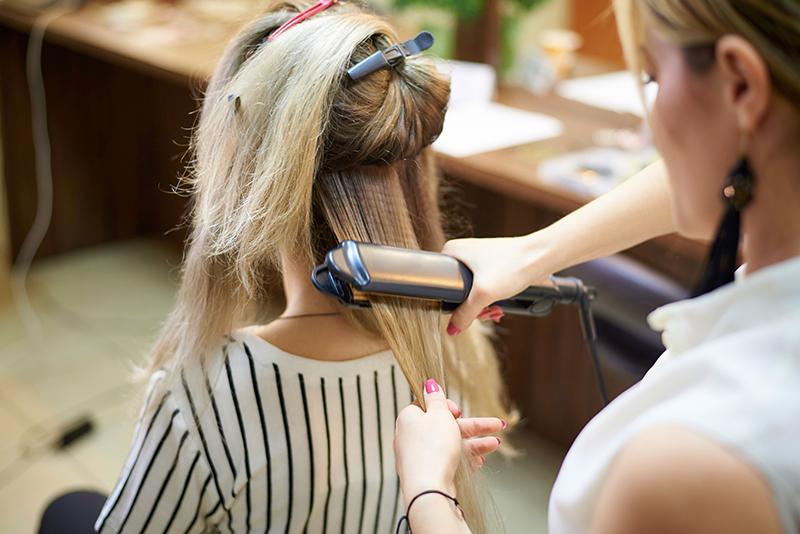 Gireceğiniz ortama göre uzun saç modelleri
