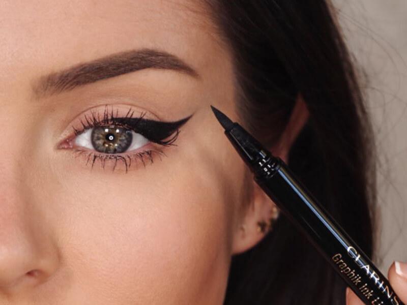 Eyeliner sabitleme hilesi