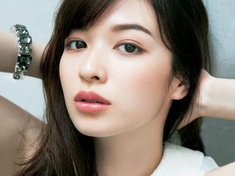 Asyalı günlük makyajı