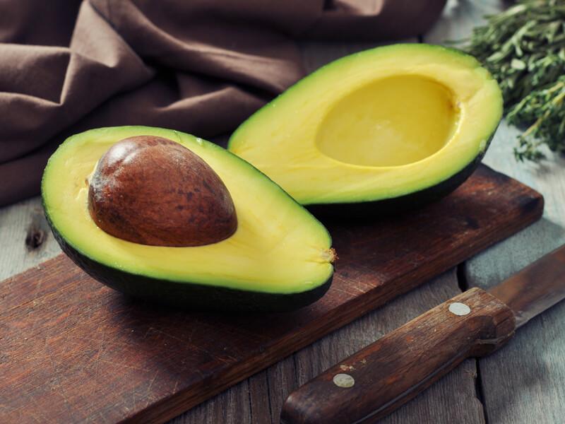 Buzdolabında saklanan avokadonun olgunlaştığı nasıl anlaşılır?