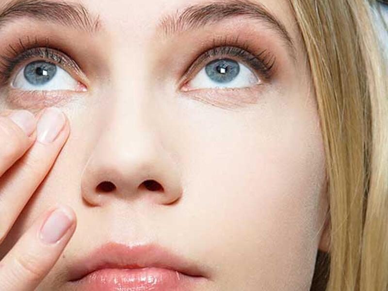 Göz Makyajı İpuçları Göz Altı Torbalarını Gizleme Teknikleri