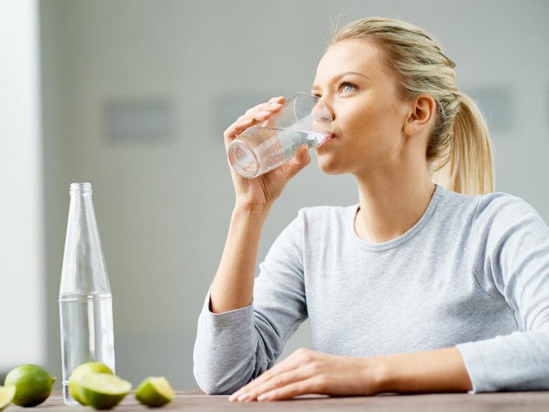 Gün içinde bol su içmeye dikkat edin