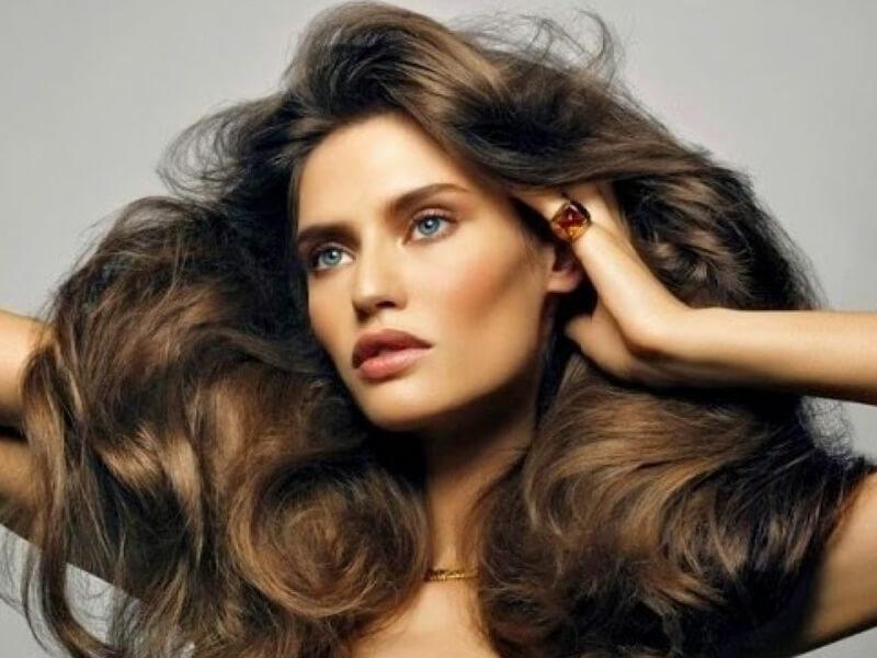 Hacim verici saç ürünlerini kuru şampuanla değiştirin